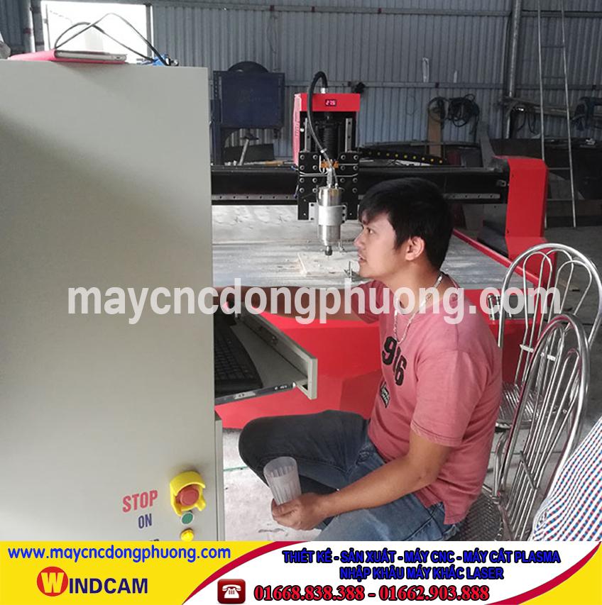 Máy cắt cnc 1 đầu chuyển giao tại công ty Điện Gia Lai