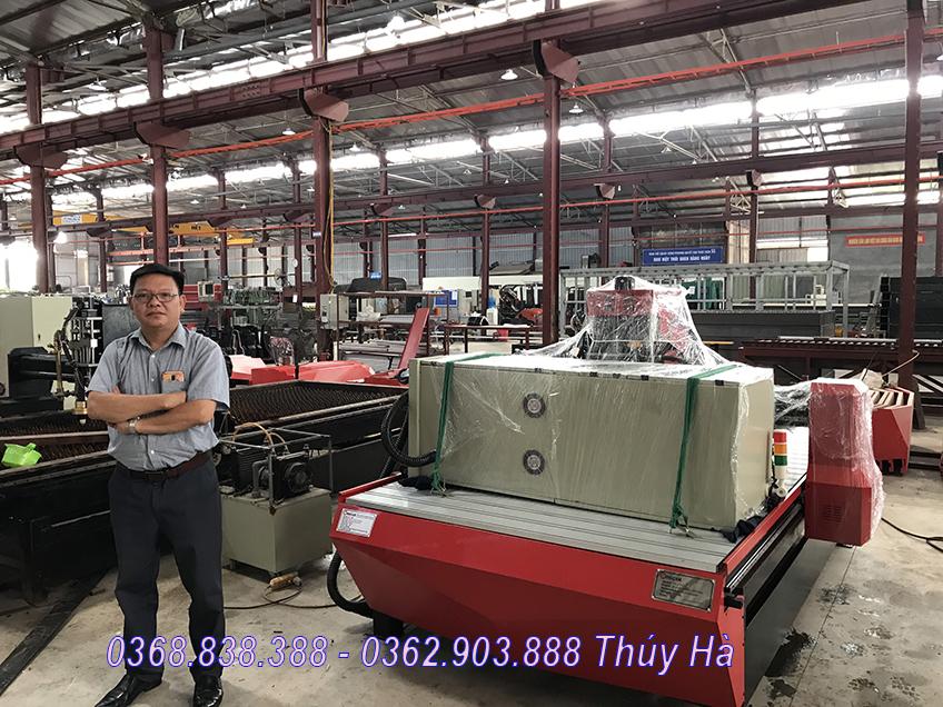 Có nên mua máy đục gỗ vi tính của công ty Đông Phương Hà Nội???
